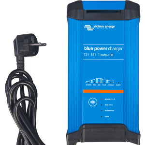 Blue Smart IP22 battery Charger A 12V 15A (1) (front)